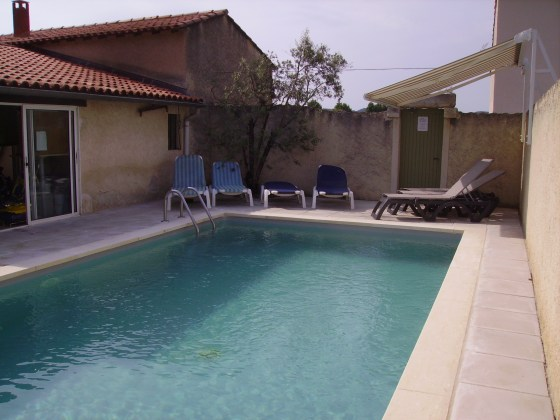 La piscine , à proximité